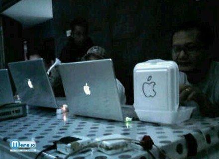 Pe Apple in oras :))