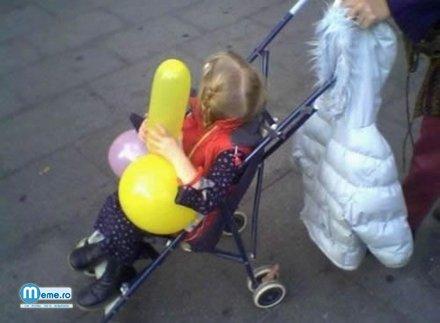 Copila si balonul