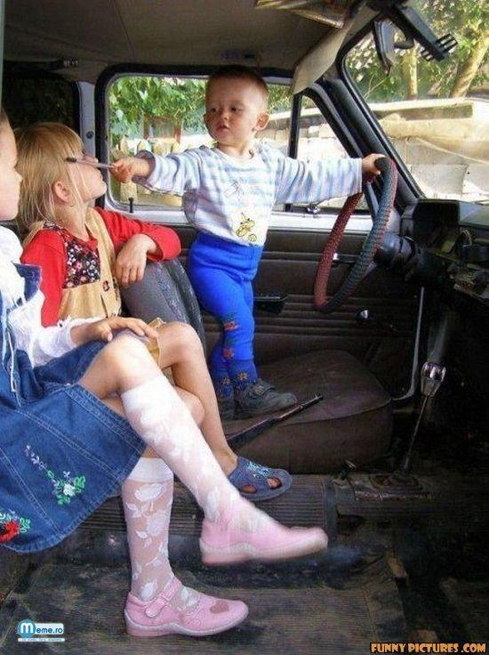 De mic le cucereste cu masina